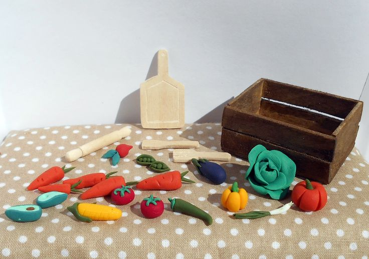 Miniature kitchen utensils and miniature vegetables https://fluffycraftcloud.wordpress.com/2015/09/21/26/
