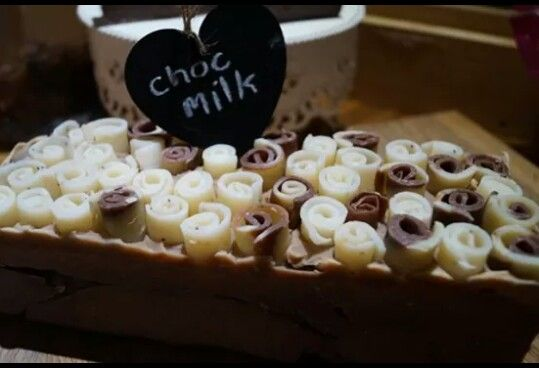 Choc coconut milk with curls. CP Soap.♥