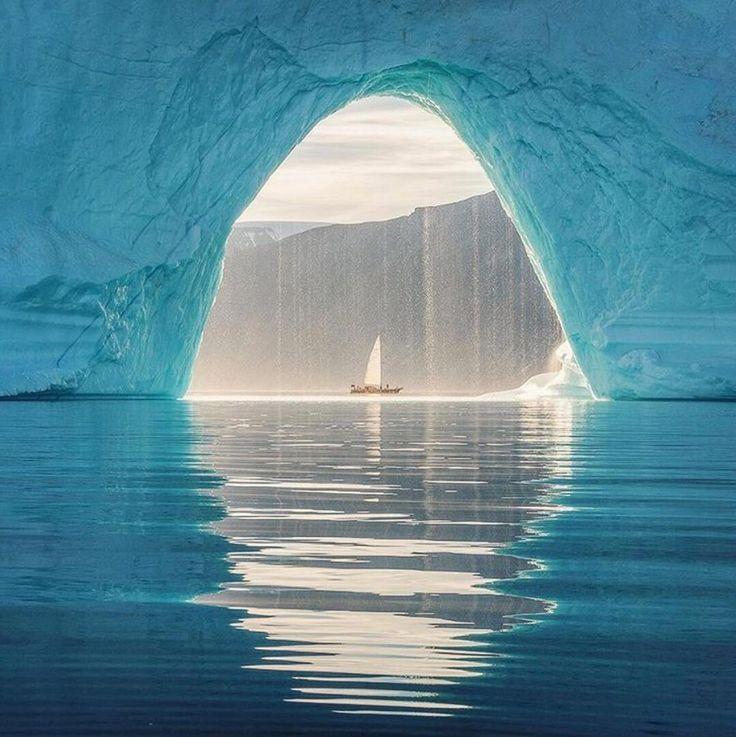 beautifuldestinationsSailing through a frozen wonderland ❄️ (: @danielkordan)