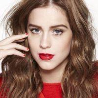 Ruiva, loira e morena: famosas que investiram nas três cores de cabelo