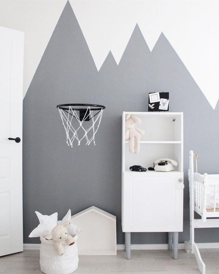 Детская комната в серых оттенках.  #4scandilife#детская#babyroom#kidsroom#scandinaviandesign#scandihome#interior#details#decor#whiteinterior#myhome#myroom#monochrome#hygge#art#wallart#wall#walldecor#интерьердетской#nordic
