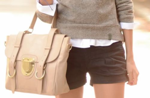 smaller bag.: Late Summer Outfits, Preppy Style, Sweaters And Shorts, Preppy Preppy, Preppy Spring, Cute Shorts, Fall Looks, Bags Design, Spring Outfits