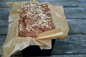A lovely cake: Grovt bröd med frukt och nötter