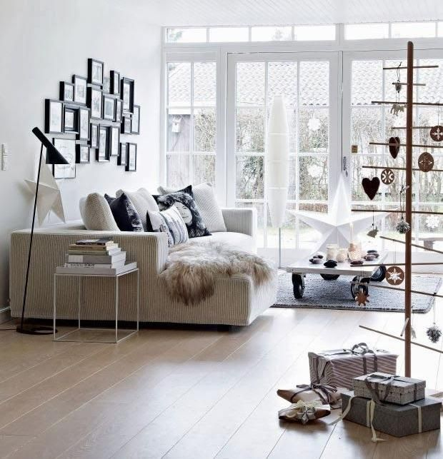 die besten 17 ideen zu moderne weihnachtsb ume auf pinterest weihnachtsbaum basteln moderne. Black Bedroom Furniture Sets. Home Design Ideas