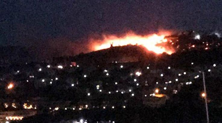 """Bodrum 'da korkutan yangın! Evlere 50 metre kaldı  """"Bodrum 'da korkutan yangın! Evlere 50 metre kaldı"""" http://fmedya.com/bodrum-da-korkutan-yangin-evlere-50-metre-kaldi-h48619.html"""