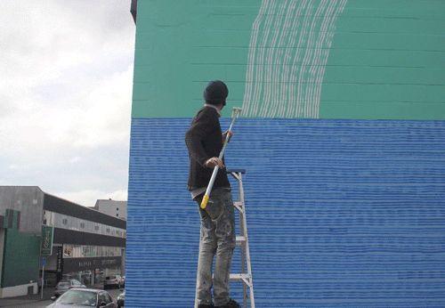 callumsphotoupdate:  oheni paints. Wellington, September 2013.  A gif maker captures me in action.