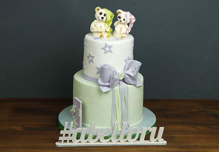"""Детский торт """"Спокойной ночи""""  Оригинальный торт для детского праздника в виде двухъярусного сладкого сооружения приведет в восторг даже искушенных гостей! Он выполнен в нежной пастельной гамме, а вкус ничем не уступает оригинальному оформлению😉 Мишки трогательно ждут своего звездного часа, ведь такой торт произведет на празднике настоящий фурор👍  Изготовление тортика как на фото возможно от 2-х кг всего за 2350₽/кг. Изготовление первой #фигуркиизмастики включено в стоимость. Каждая…"""
