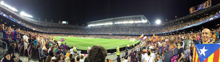 · El Camp Nou es torna a omplir d'estelades pel Barça vs Celtic de Glasgow de la Champions League 13/09/2016, en protesta contra la UEFA per haver multat el Barça amb 150.000 euros per l'exhibició d'estelades al Camp Nou.      #Barça    #DavidEspunya    #ChampionsLeague