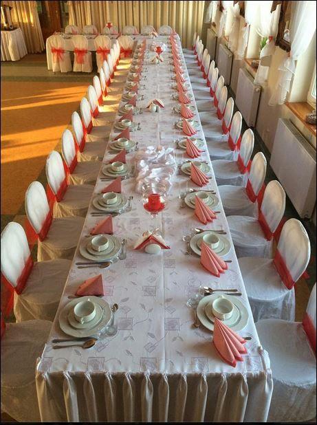 ramię stołu, sala pomieści wygodnie 100 osób