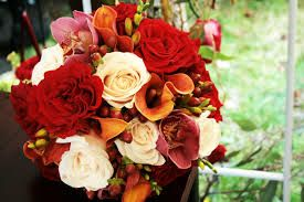 Thanksgiving bouquet ideas for center pieces.  My favorite one is the one in the pinned picture.