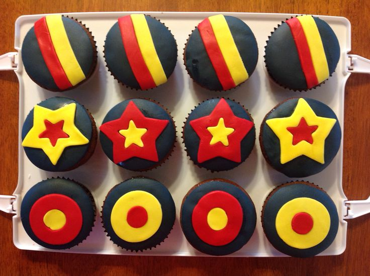 Crows cupcakes