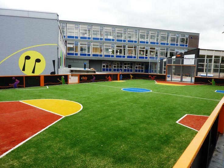Sportveld | multifunctioneel | voetbalveld | basketballen | basket | kunstgras | schoolplein | gymlessen | www.yalp.nl