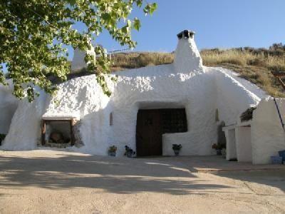 Modern caves in Spain! #extraordinary