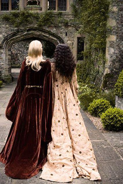 Blond haar - zwart haar - jurken