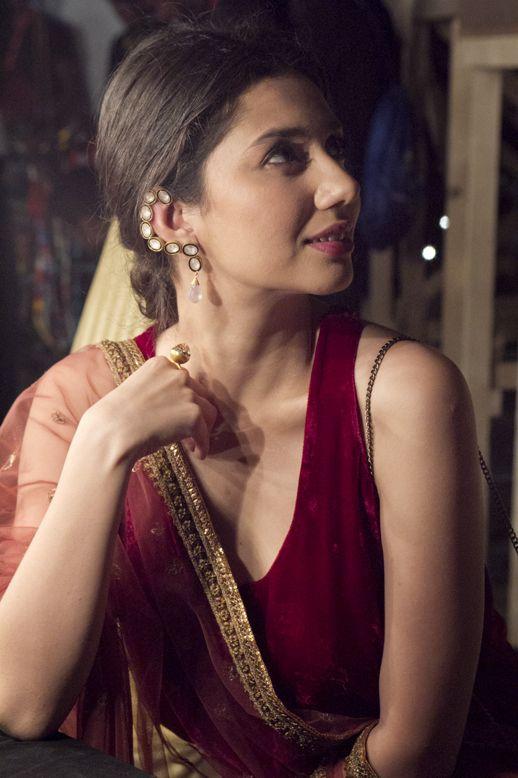 Maira Khan in Misha Lakhani...luv her earrings