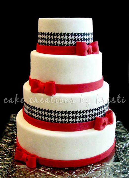 Crimson and houndstooth cake