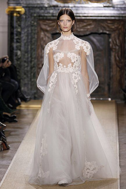 Valentino's best of bridal couture: The most iconic designs ever made - Photo 13