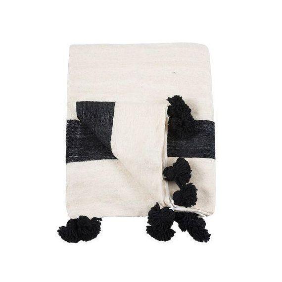 les 25 meilleures id es de la cat gorie jeter des couvertures sur pinterest couvertures faux. Black Bedroom Furniture Sets. Home Design Ideas
