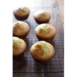 Hozzávalók:A muffinokhoz2 nagy citrom (ki kell majd nyernünk belőlük negyedpohárnyi reszelt citromhéjat és harmadpohárnyi citromlevet)fél bögre cukormásfél bögre lisztmásfél teáskanál sütőporfél teáskanál