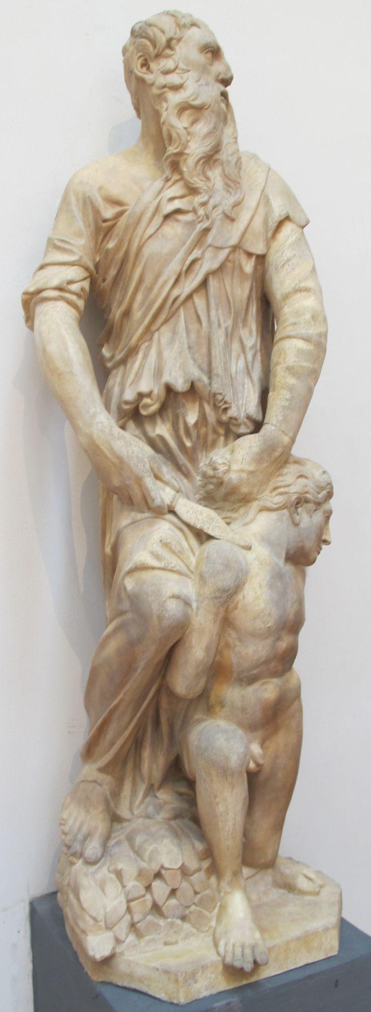 DONATELLO (1386-1466) EN SACRIFICIO DE ISAAC, en bulto redondo (1421), DEMUESTRA los cambios que habían tenido lugar en esos primeros años de siglo.  Donatello había sido discípulo de Ghiberti, pero se despegó de su estilo y encontró más afinidad en el de Brunelleschi, transformando como él la búsqueda de citas clásicas en el estudio de las reglas clásicas de composición y expresión