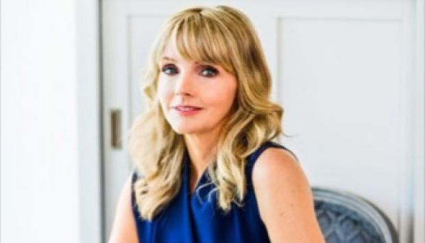 awesome Kirstine Stewart shares tips on pitching to business, in conversation with Arlene Dickinson - Calgary