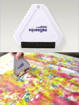 Squeegee / 1pc Squeegee adalah smooth scrapper yang khusus digunakan oleh para inkers untuk mencampur warna . Dengan bantuan squeegee Anda dapat menciptakan background marble atau gradasi. Squeeqee juga membantu Anda mengangkat sisa paste yang berlebih.