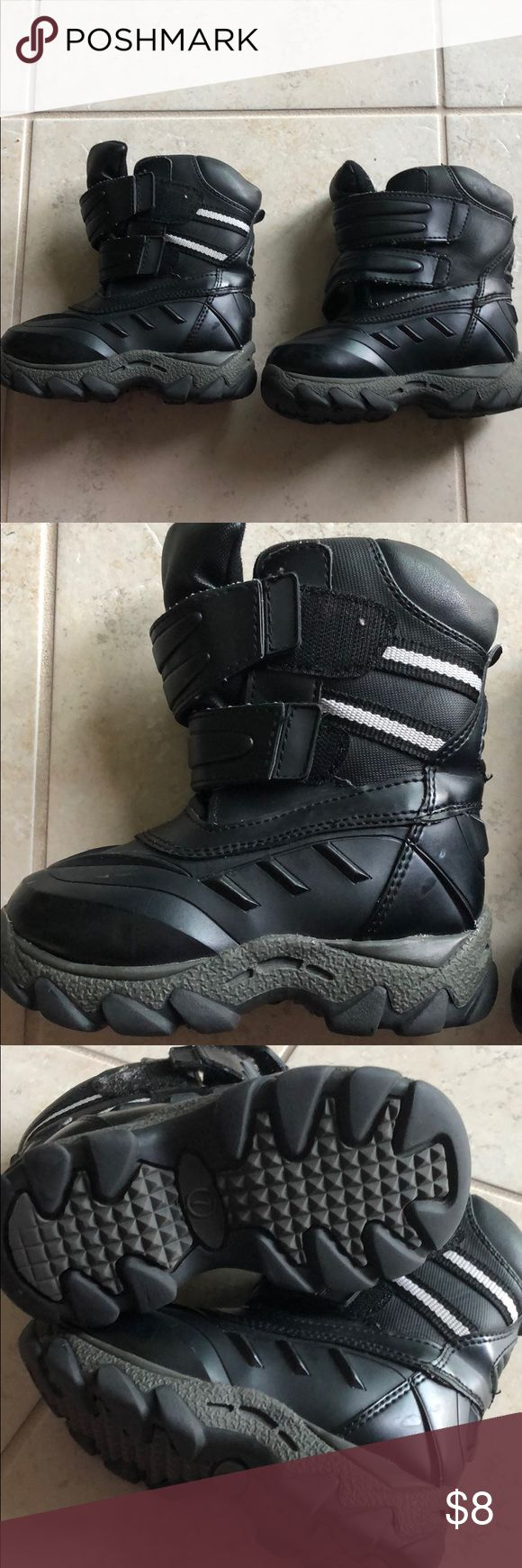 Oakley snow toddler boots size 7. Great condition Oakley snow toddler boots size 7. Great condition. Great for boys or girls. Shoes Rain & Snow Boots