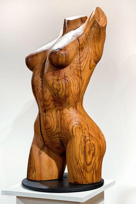 деревянная скульптура женской вагины тартины