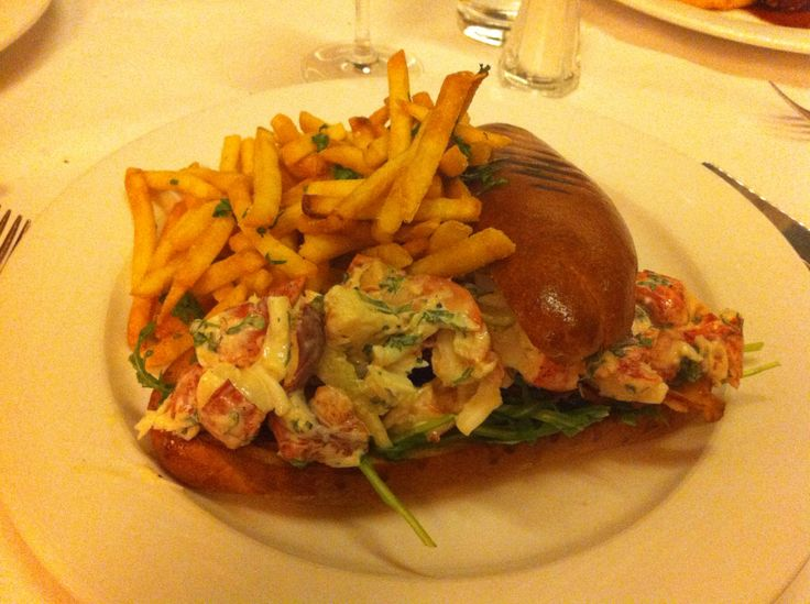 Michael Jordan's Steakhouse Grand Central NYC. Lobster Roll