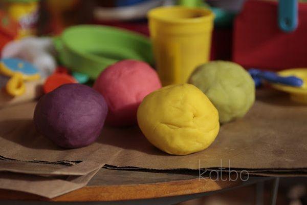 Van olyan jó, és olcsóbb mint a bolti: színes gyurma készítése