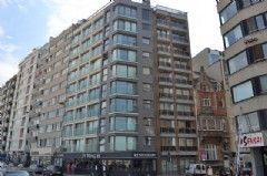 <span>Te koop</span><a class='showAction btn-primary btn' href='/nl/vastgoed/1/vkchateaudissan5b/appartement-te-koop-oostende-kust-2-slaapkamers'>Ontdek deze aanbieding »</a>