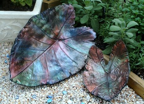 DIY How to cement leaf casting ~ Make leaves for flower gardens, fountains, etc.Click on the picture for a link to instructions.