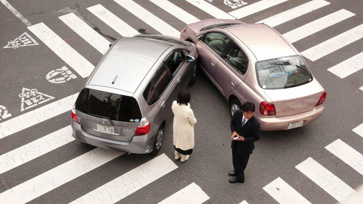"""Din cauza traficului """"agitat şi aglomerat"""" din România în general şi, în special, in marile oraşe, a apărut necesitatea (şi utilitatea) instalării unei camere video ascunse in autovehicul.  http://camere-spion.info/"""