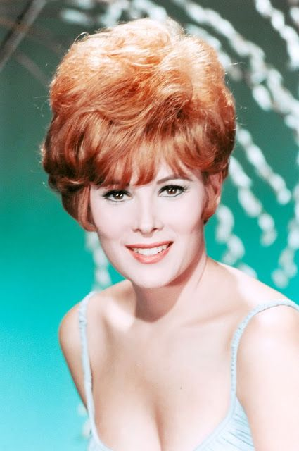 It's The Pictures That Got Small ...: Jill St John
