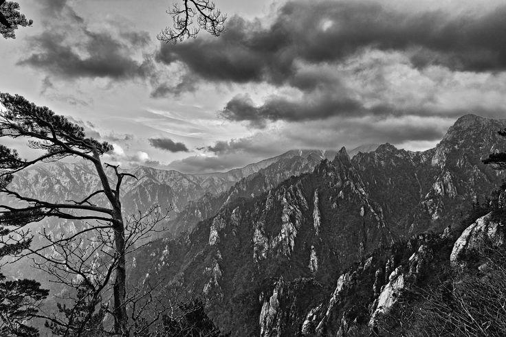 Soraksan Pass In Winter  http://www.mattmacdonaldphoto.com