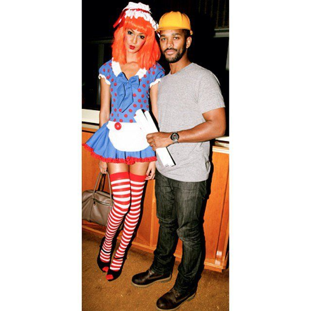 Pin for Later: 31 Top-Notch Halloween Costumes From All the Top Models Joan Smalls She totally worked this Raggedy Ann costume . . . with a chic neutral satchel.