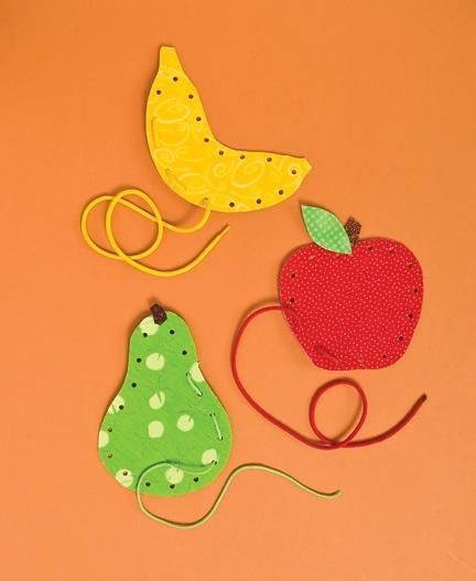 Manualidades para preescolarLace Projects, Crafts For Kids, Fruit Lace, Food Crafts, Kids Crafts, Activities, Fine Motor, Fabrics Crafts, Fabric Crafts