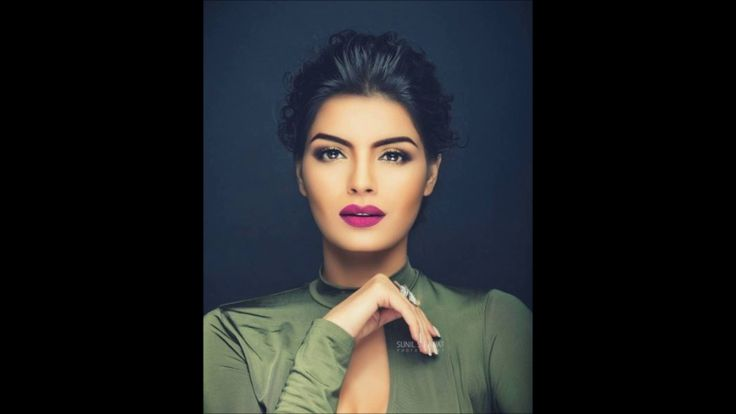 'The Xpose' actress Sonali Raut sizzles in her latest photoshoot