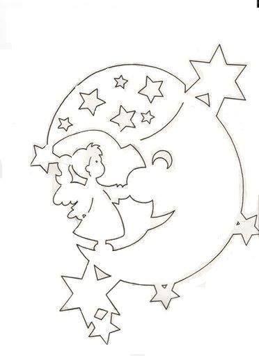 Měsíc s andělíčkem