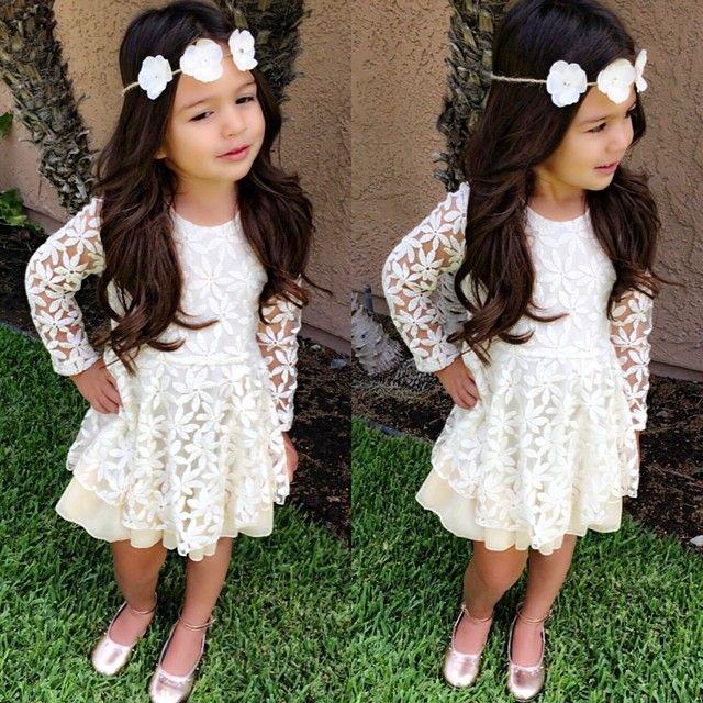 quiero un vestido así, y una banda tmbn!
