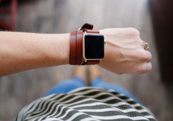 This product is made to order unless we already have stock on hand. Please see Shipping & Policies for an up-to-date turn around time.  The Triple Tour watch strap will give a classic and stylish result that can be worn three different ways and makes your Apple Watch stand out. The Triple Tour watch strap is a split version of the traditional Double Tour - allowing the strap to be worn double-sided on one side (left or right) or between the watch face. Our Apple Watch straps are made of…