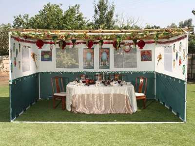 Large open square sukkah, still like 6 walled one better