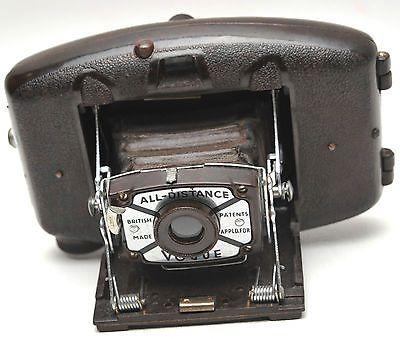 Vintage-Coronet-Vogue-Bakelite-Folding-Camera