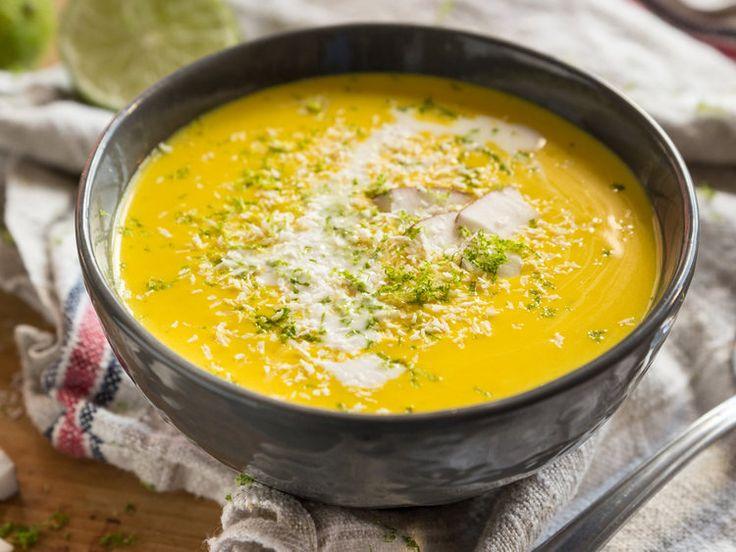 Weihnachtsmenü Vegan Suppe Butternutsuppe mit Curry und Kokosmilch_mag