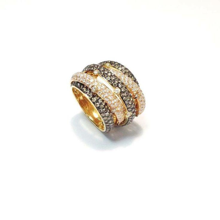 A multilayered, contemporary, 18-kt Rose Gold Cognac & White #Diamond ring.  Total Diamond weight, 3.31 cts.  Price upon request: Info@shivasjewelers.com  #ShivasGoldandGems #tbt #luxury #lujo #love #bagues #Rings #oro #anillos #diamants #bijoux #éclat #diamantes #magnifico #or #кольца #золото #украшения #ювелирныеукрашения #красиво #подарки #дорогиеподарки #любовь #бриллианты #инстаграм #jetset  #diamonds