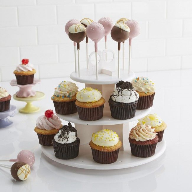 This cupcake stand is perfect for serving cupcakes, cake pops, muffins, party favours and more. The attractive tiered design makes serving more accessible and convenient, while its sturdy plastic construction is easy to assemble.