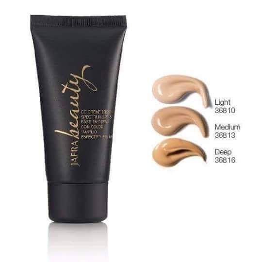 CC CREME Complexion Corrector SPF 15 adalah alas make up yg paling ringan di wajah saat pertama dan terakhir diaplikasikan. . . Manfaatnya : -Meratakan warna kulit -Menyamarkan noda hitam/bekas jerawat -Mencerahkan -Menyerap minyak berlebih -Menutipi pori-pori besar . . Buat kalian yg masih bingung cari dasar #makeup yg aman dan sehat serta mengandung SPF 15 cobain dech produk #JAFRA yg satu ini!!! Inshaa Allaah hasilnya sempurna utk tampilan alami tahan lama dan bebas minyak Info order dan…