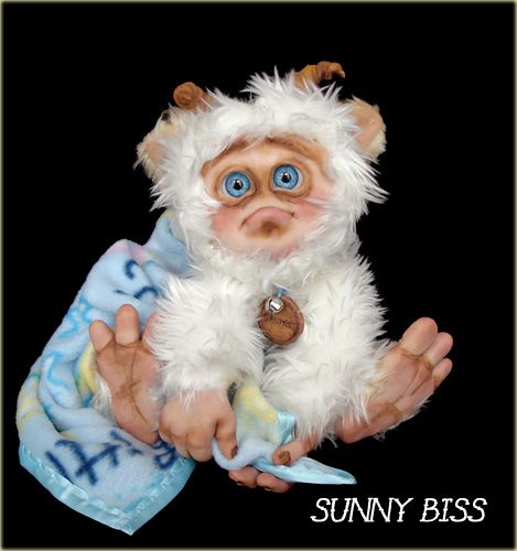 """""""Grumbly"""" A one of a kind monster by Sunny Biss. Http://www.sunnybiss.com"""