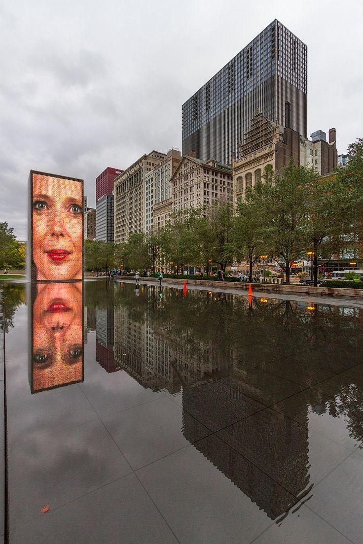 Crown+Fountain,+Millenium+Park+,+Chicago