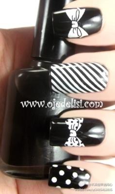 Black n White w/ bow tie nails